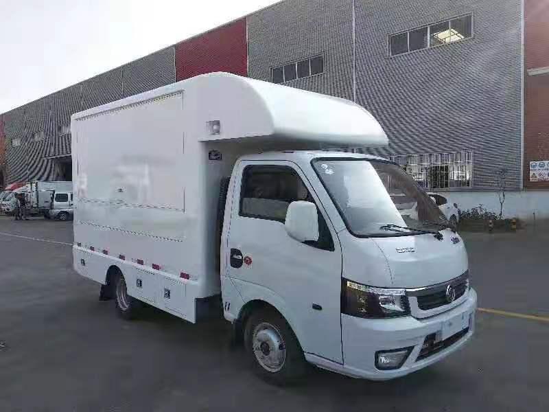国六东风途逸售货车