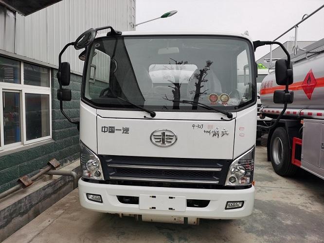 厂家直销解放4.42吨加油车 包上户 送货上门