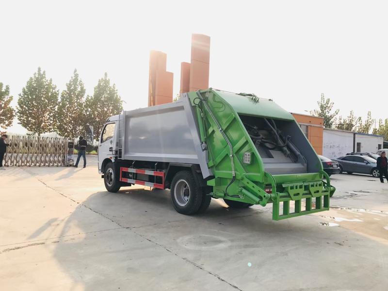 国六福瑞卡压缩垃圾车