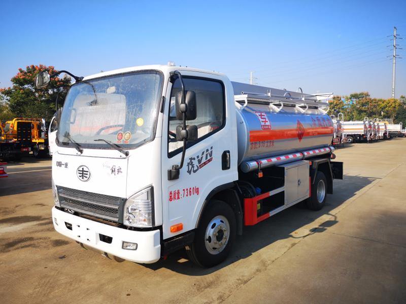 5吨8吨10吨15吨20吨油罐车 国五现车低价处理