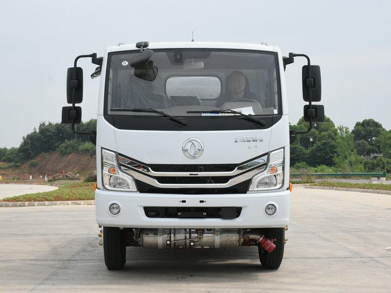 玉柴140马力油罐车YZR5070GYYE6型运油车